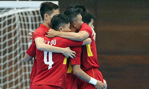 Việt Nam hạ chủ nhà Turkmenistan, vào tứ kết futsal AIMAG