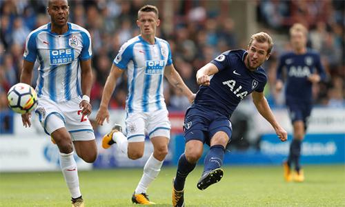 Kane san bằng kỷ lục của Messi và Ronaldo, Tottenham đại thắng