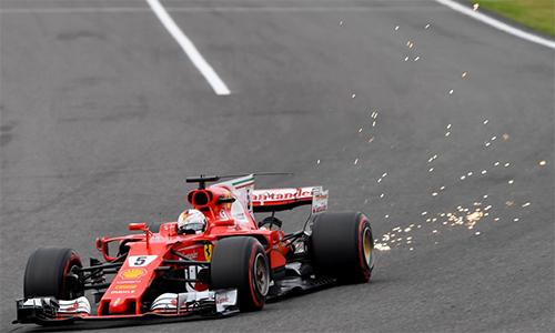 Vettel sớm bỏ cuộc, Hamilton tiến gần tới ngôi vô địch