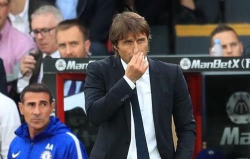 Conte đổ lỗi cho bão chấn thương khi Chelsea thua đội bét bảng