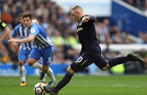 Rooney cứu Everton thoát thua ở phút 90