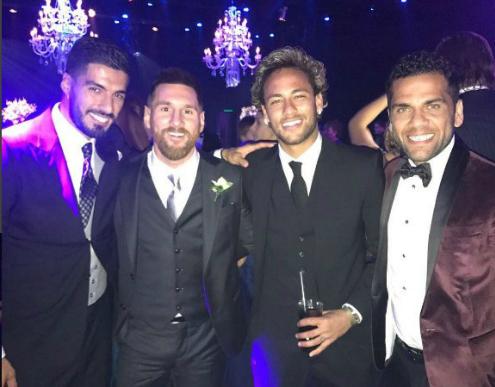 """Xavi: """"Neymar báo tin sang PSG ngay ở đám cưới Messi"""""""
