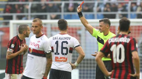 Bonucci nhận thẻ đỏ, Milan tụt xuống nửa dưới Serie A