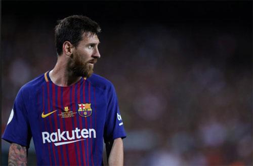 """Berbatov: """"Messi vẫn toàn diện hơn Ronaldo"""""""