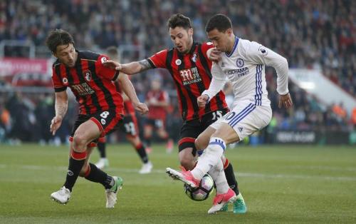 Hazard giúp Chelsea thắng tối thiểu đội trong nhóm đèn đỏ