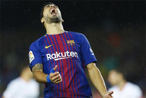 Suarez mới chỉ có ba bàn từ đầu mùa 2017-2018. Ảnh: Reuters
