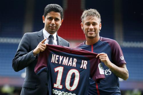 PSG đối mặt với vấn đề tài chính sau thương vụ Neymar