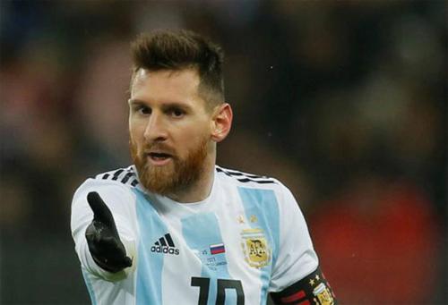 messi-toi-xau-ho-khi-tuyen-bo-gia-tu-roi-tro-lai-doi-tuyen-argentina