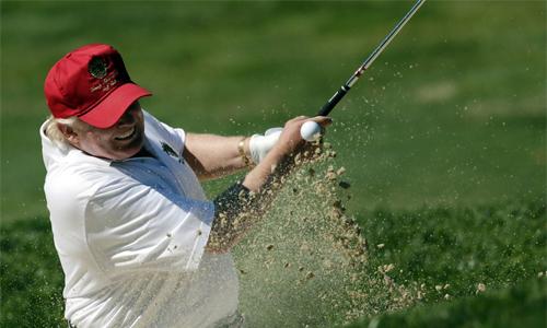 donald-trump-thi-dau-nhieu-gan-gap-doi-cac-golfer-chuyen-nghiep