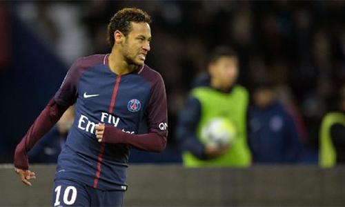 """Neymar """"mất tích"""", Cavani giúp PSG thắng đậm đội của Ranieri"""