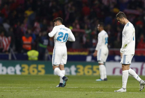 Zidane từng lập kỳ tích cùng Real khi kém Barca 12 điểm - ảnh 1
