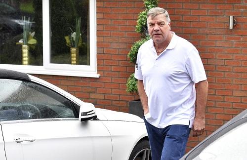Everton bổ nhiệm HLV Sam Allardyce với mức lương cao