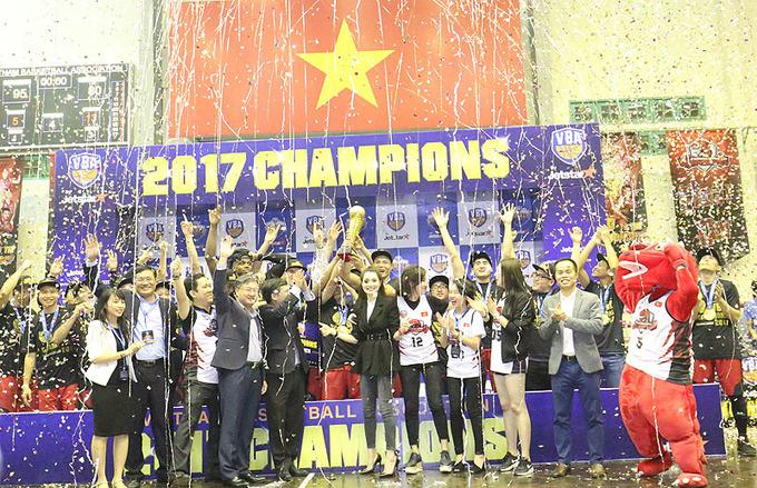 ThangLong Warriors vô địch giải bóng rổ nhà nghề Việt Nam 2017