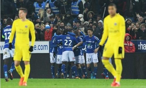 PSG nhận thất bại đầu tiên ở Ligue I