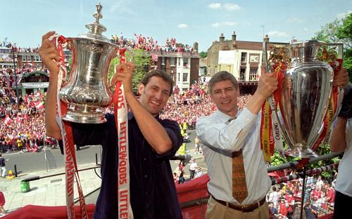 """Tony Adams: """"Arsenal đừng hòng vô địch nếu Wenger tại vị"""""""