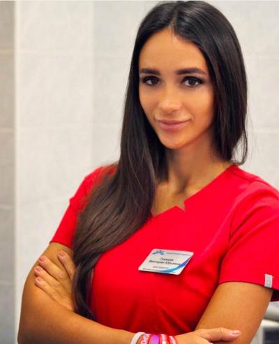 Cầu thủ Spartak bị nữ bác sĩ cấm sex trước khi gặp Liverpool