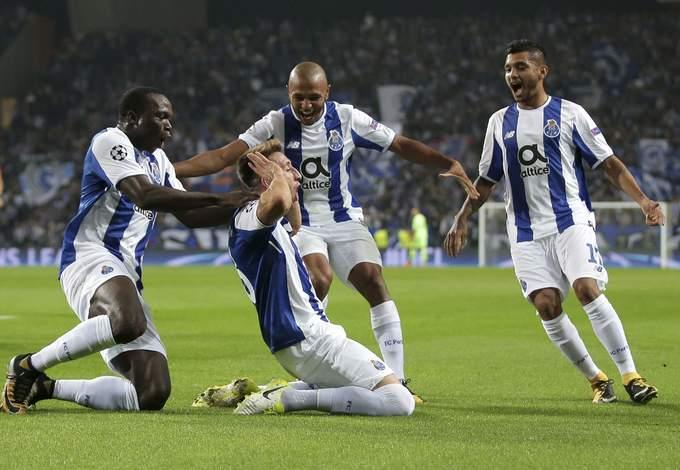 16 đội bóng lọt vào vòng 1/8 Champions League