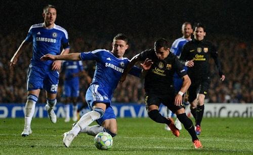 Conte kêu gọi Chelsea lạc quan dù đụng Barca