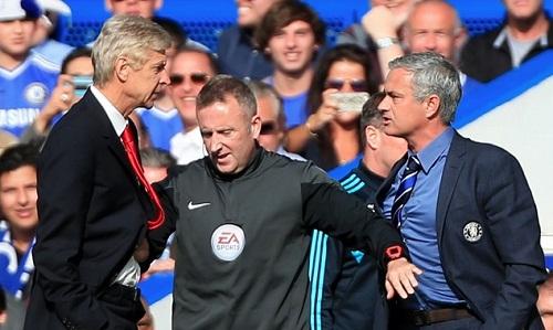 """Wenger """"bênh"""" Mourinho trong vụ ẩu đả ở Old Trafford"""