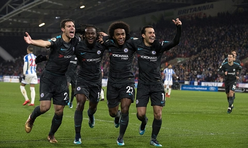 Chelsea thắng nhờ sai lầm của đối thủ