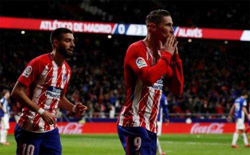Atletico đuổi sát Barca, Valencia rơi xuống thứ ba La Liga