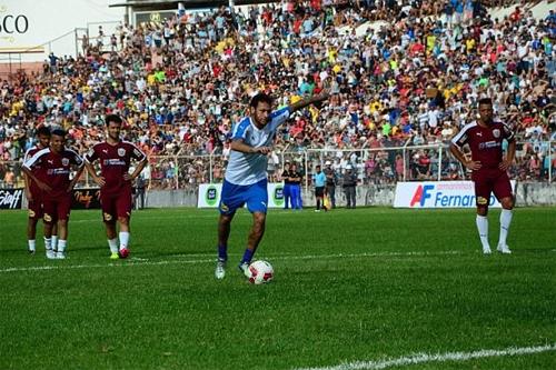 Đội của Neymar thắng 11-7 trong trận đấu từ thiện