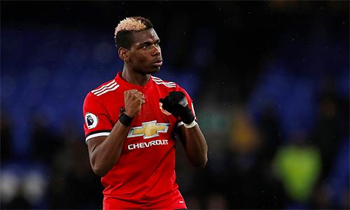 Tính cả trận thắng Everton, Pobga đã trải qua 435 ngày không thua trong các trận đấu Ngoại hạng Anh, kể từ trận thua Chelsea hồi tháng 10/2016. Trong 435 ngày đó, Pogba đá 34 trận (thắng 21, hoà 13), còn Man Utd thì thua năm trận khi không có anh. Ảnh: PL.
