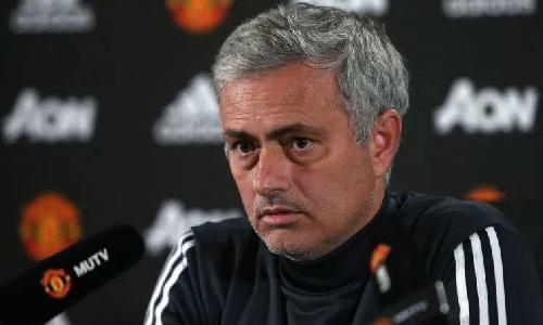 Mourinho: 'Tạo ra lịch sử ở Man Utd khó hơn ở Chelsea'