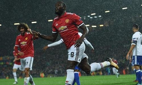 Lukaku và Fellaini sẽ đá chính gặp Derby. Ảnh: AFP.