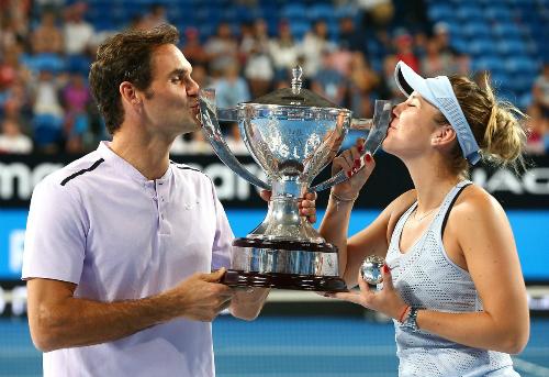 Federer cùng Bencic giúp Thụy Sĩ vô địch Hopman Cup sau 17 năm. Ảnh: Hopman Cup.