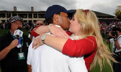 Cuộc tình với Lindsey Vonn được xem là một chất xúc tác quan trọng giúp Tiger Woods trở lại sau scandal tình ái và giành năm danh hiệu PGA Tour. Ảnh: PGATour.