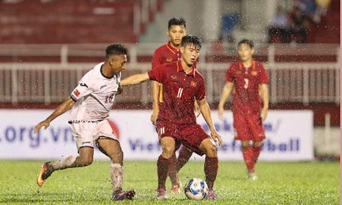 Duy Mạnh và đồng đội từng thua U23 Hàn Quốc 1-2 tại vòng loại trên sân Thống Nhất. Ảnh: Đức Đồng.