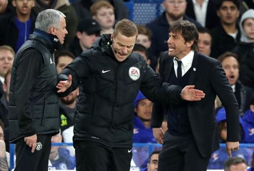 Mourinho khẩu chiến quyết liệt với Conte từ đầu năm 2018. Ảnh: PA.