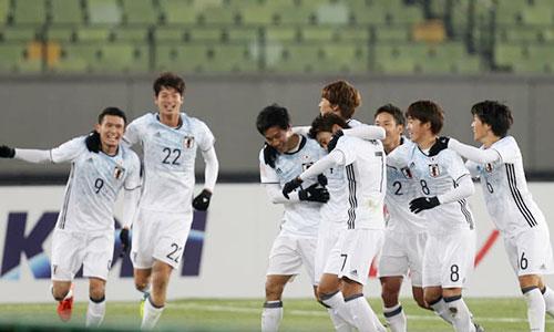 Niềm vui của Nhật Bản sau khi giành quyền vào tứ kết sớm. Ảnh: AFC.