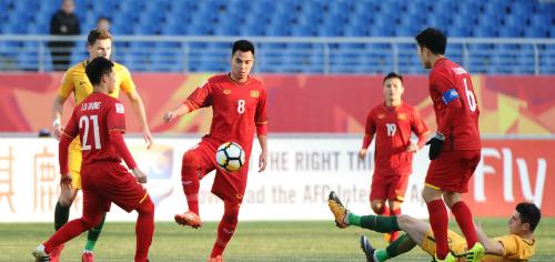 Cầu thủ Việt Nam thi đấu tự tin và kỷ luật hơn dưới thời HLV Park Hang-seo. Ảnh: AFC.
