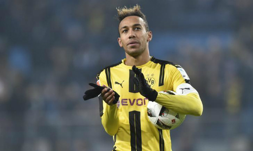 Wenger làm Dortmund nóng mặt vì khen Aubameyang