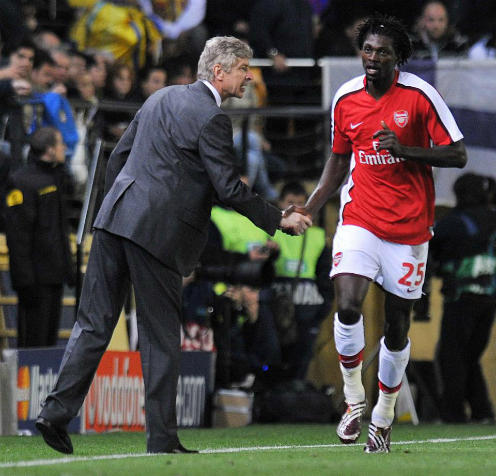 adebayor-wenger-la-ke-doi-tra-mourinho-moi-thanh-that