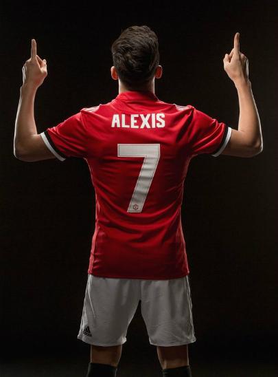 Sanchez trong màu áo mới. Ảnh: MUFC.