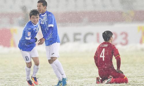Việt Nam bị thủng lưới vào phút chót sau khi cầm hòa đối thủ trong gần 120 phút. Ảnh: Sport.163.