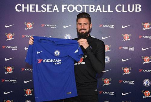 Giroud ra mắt tại Chelsea và mang áo số 18. Ảnh: Reuters