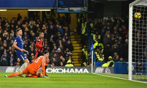 Chelsea lần thứ ba ngã ngựa trên sân nhà mùa này. Ảnh: Reuters.