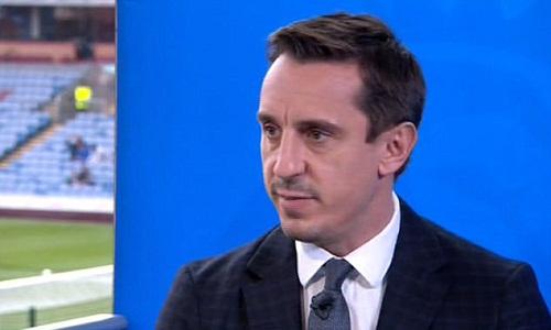 Neville cho rằng Guardiola đã có 1 chọn lọc tồi. Ảnh: Sky Sports.