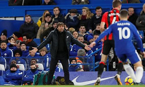 Conte phải chứng kiến Chelsea thảm bại trước Bournemouth ở Stamford Bridge. Ảnh: Reuters.