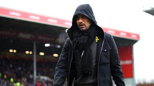 Guardiola không trách Sterling về việc bỏ lỡ thời cơ. Ảnh: AFP.