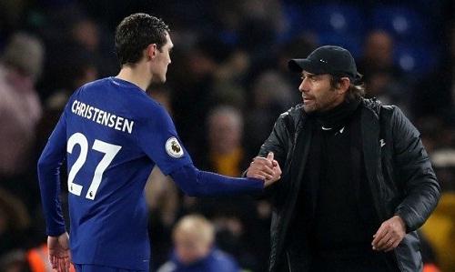 Conte khẳng định ưu tiên của Chelsea là trao thời cơ cho các cầu thủ trẻ như Christensen. Ảnh: Reuters.