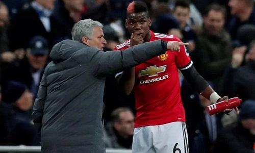 Mourinho khen ngợi tinh thần chuyên nghiệp của Pogba. Ảnh: Reuters.