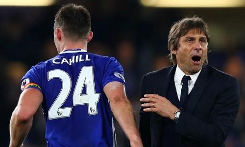 Conte đứng trước nguy cơ bị sa thải sau hai thất bại liên tiếp. Ảnh: Reuters.