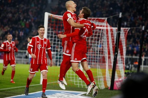 """Pháo hai nòng"" Lewandowski - Muller giúp Bayern hạ Schalke"