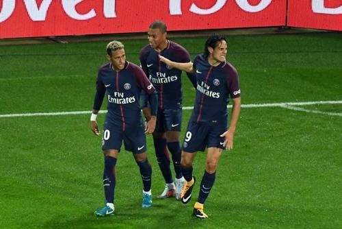 PSG sở hữu bộ ba tấn công khủng khiếp là Neymar, Cavani và Mbappe. Ảnh: Reuters.