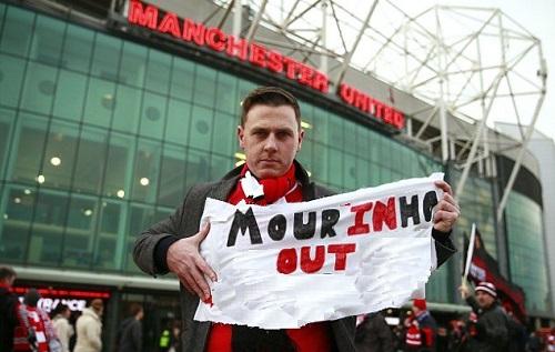 Biểu ngữ sẽ xuất hiện ở trận đấu tiếp theo tại Old Trafford. Ảnh: Reuters.